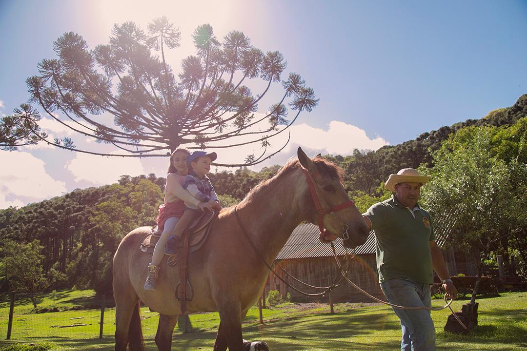 passeios a cavalo chalés fioreze